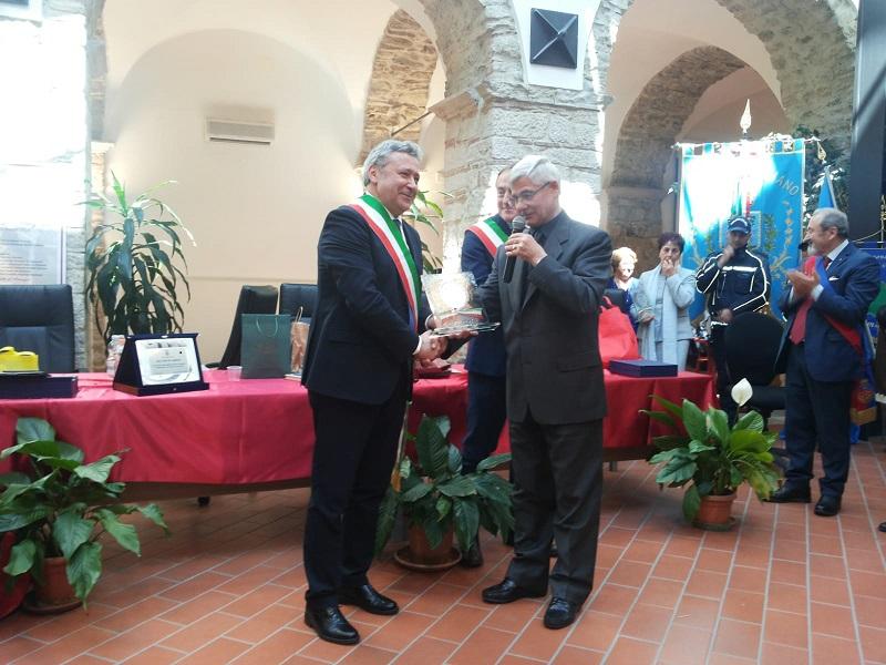 sala_comunale_avigliano_3.jpg